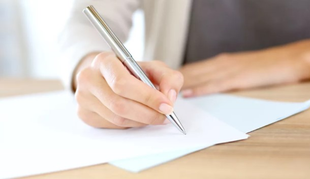 How to write gre essay. How is it different from an essay?